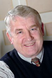 Bill Coates retired from Airedale - 7489