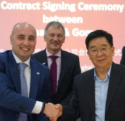 Maurizio Zaglio, international business development manager at Sunamp, with trade and investment minister Ivan McKee and Gomon chairman Chaohong Fan.