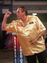 The 'King of Bling' Bobby George will be on Conex Bänninger
